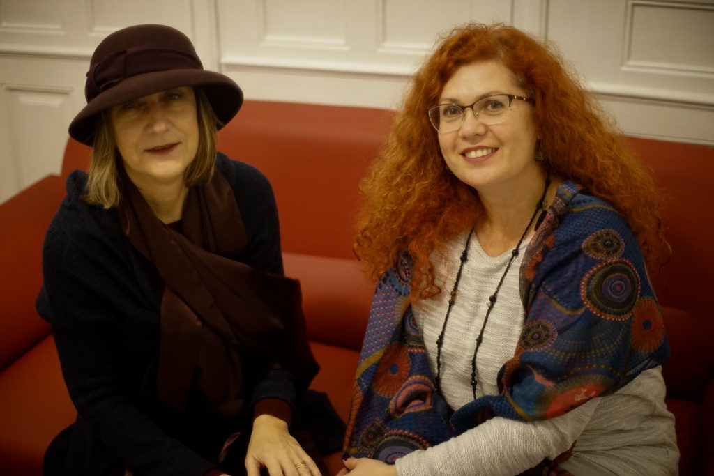 """Две смели момичета са Руми и Цени, а начинанието им е красиво, уютно и обещаващо – наскоро отвори врати тяхната сугестопедична къща """"7 ключа"""" в центъра на София (съвсем близо до операта)."""
